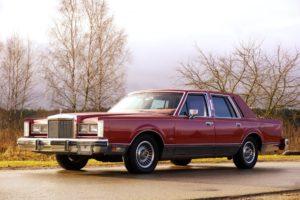 Lincoln Town Car I